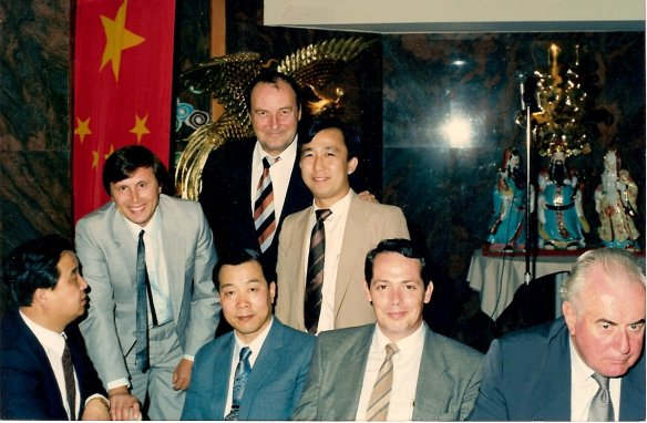 Chen Youbang, John McDonald & Hon Gough Whitlam (seated) and Arseny Ivanoff, Russell Jewell & Hoc Ku Huynh standing